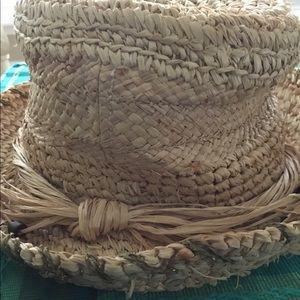 100% Straw Hat